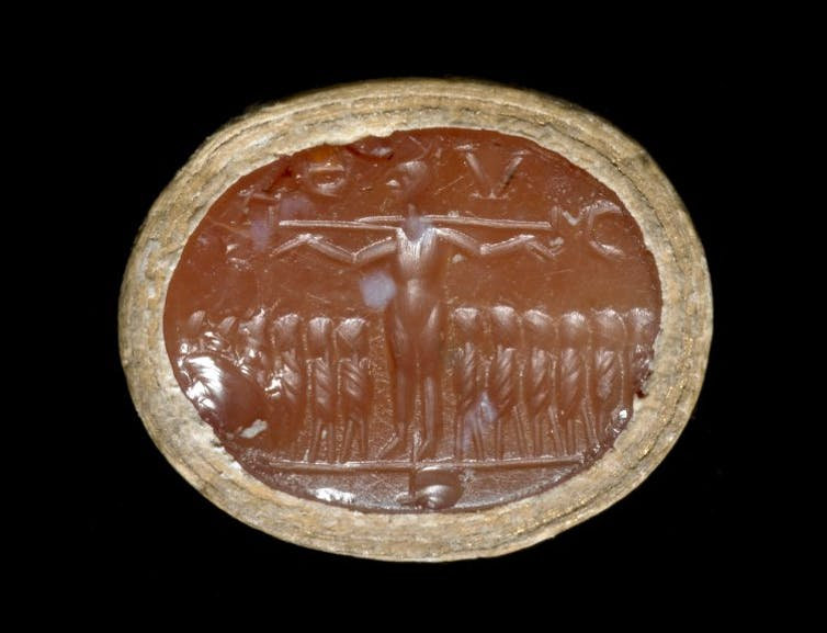 La pierre précieuse de Constanza pierre précieuse gravée à l'image de la crucifixion du Christ