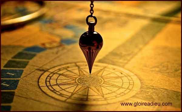 Le pendule de radiesthésie et église - www.gloireadieu.com