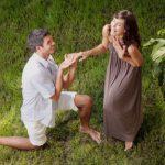 Mariage : pourquoi met-on un genou à terre pour faire sa demande ?