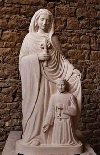 Bénédiction d'une statue de Marie qui garde les prêtres