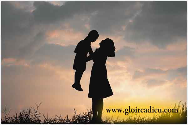 Prière du soir d'une maman pour remercier le Seigneur de veiller et protéger sa famille