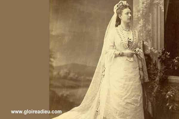 L'histoire et l'origine de la couleur de la robe de mariée